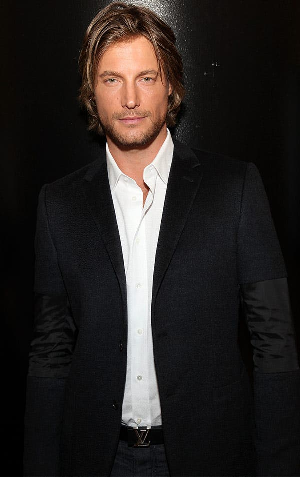 Gabriel Aubry cambia a Halle Berry por Charlize Theron.