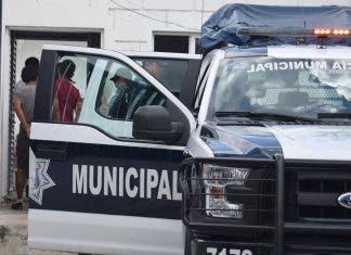Los policías que comentan excesos van a ser sancionados dijo el Secretario General.