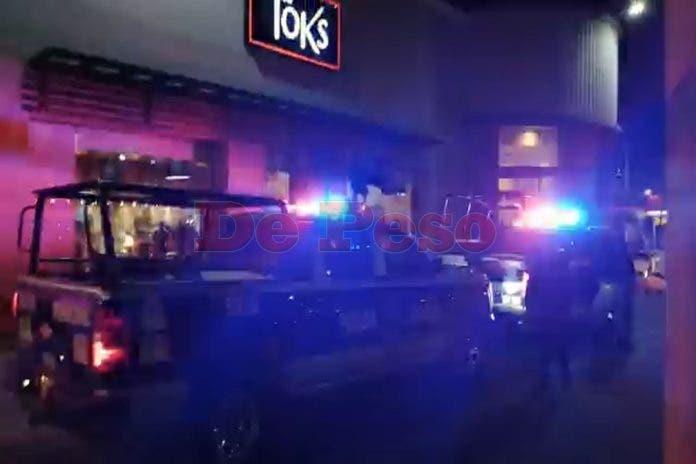 El 911 fue alertado sobre el hurto realizado por sujetos armados.