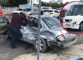 El camión terminó por impactarse contra el vehículo particular