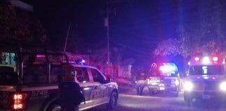 Agentes del Servicio Médico Forense se encargaron de realizar el levantamiento del cadáver.