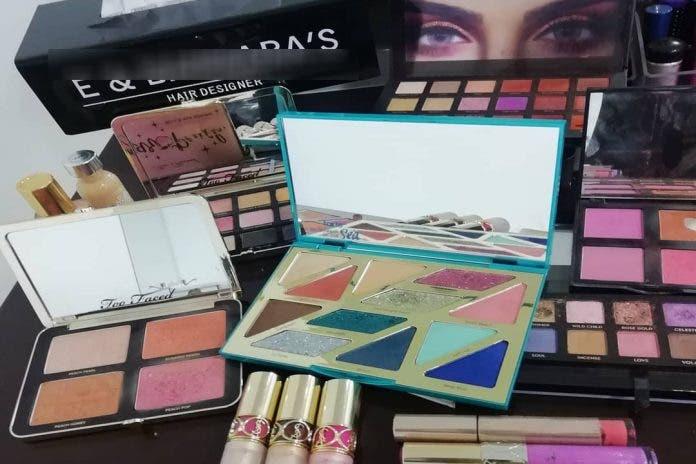 Estudio revela que 3 de cada 10 cosméticos falsos se compran en los tianguis.