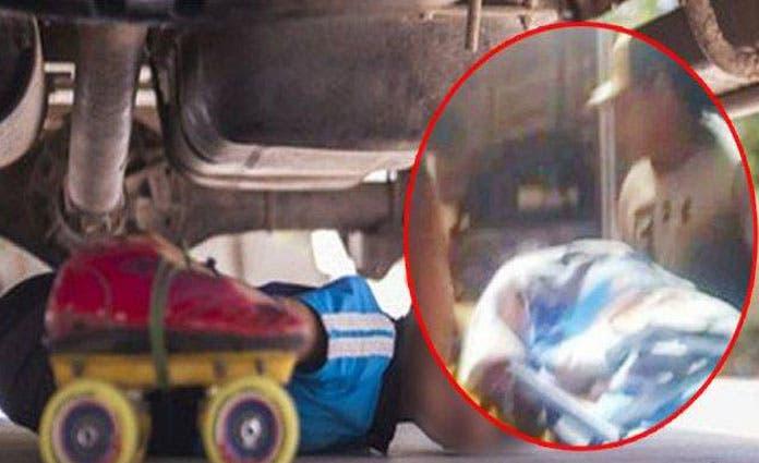 Al arrancar el auto, las llantas aplastaron las piernitas del menor de dos años, quien resultó confracturade fémur izquierdo y otras lesiones.