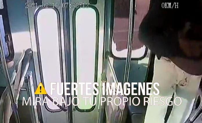 Filtran otro ángulo de la mujer apuñalada en camión (Video)