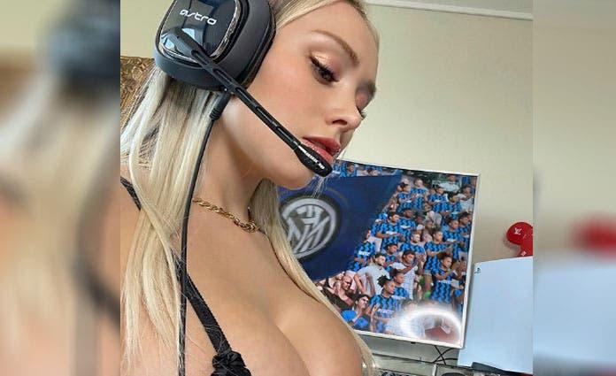 La modelo chilena decidió consentir la mirada de todos sus fanáticos al compartir un video donde se le puede ver jugando FIFA.