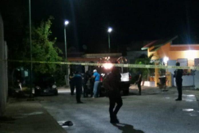 Sujetos armados irrumpen domicilio para robar en Playa del Carmen