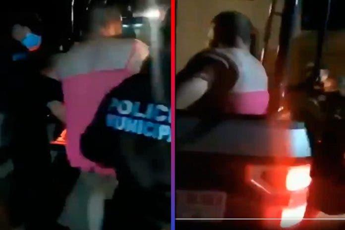suicida policía vestido mujer