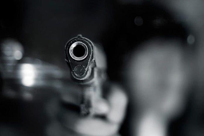 Asesinan de 11 balazos a comerciante