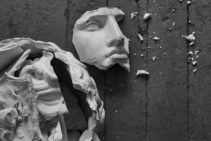 Niña muere aplastada por una estatua religiosa de 150 kilos en Colombia