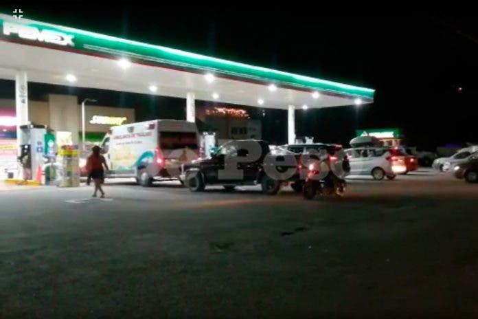 Desinformación provoca largas filas en gasolineras de Quintana Roo