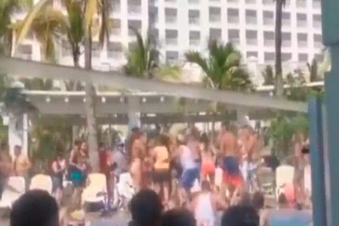 turistas pelea campal hotel