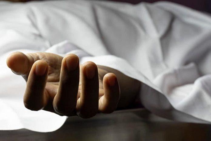 Asesina a su mujer y encierra a sus hijos con el cadáver cinco días