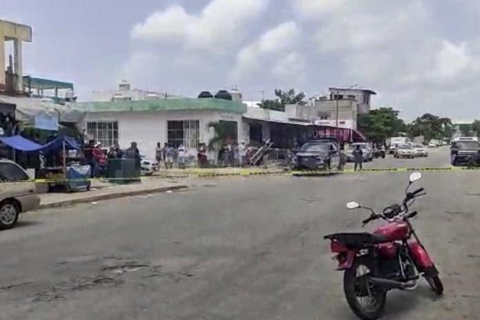 Asesinan a mujer a balazos en Playa de Carmen