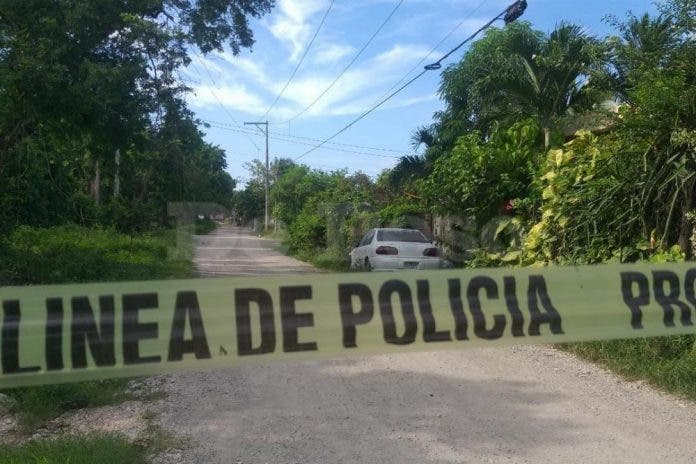 Encuentran a mujer ensabanada en un camino de terracería en Cancún