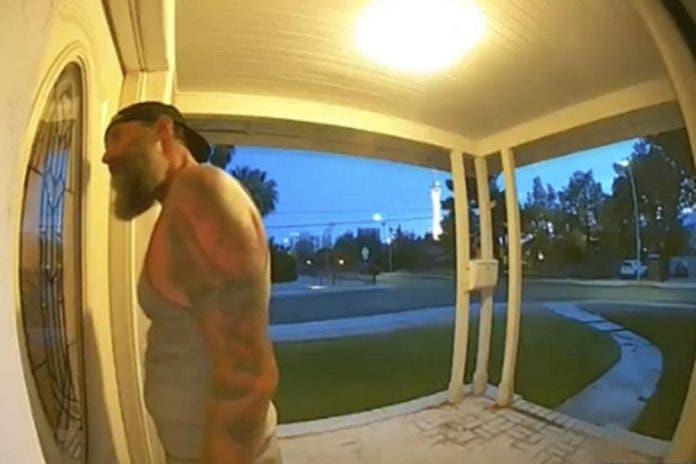 Hombre toca la puerta de una casa para exigir violar y matar a una fémina