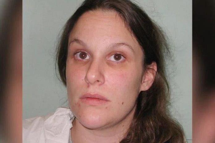 Mujer asesina a su vecino al descubrir que violó a su hijo de 12 años