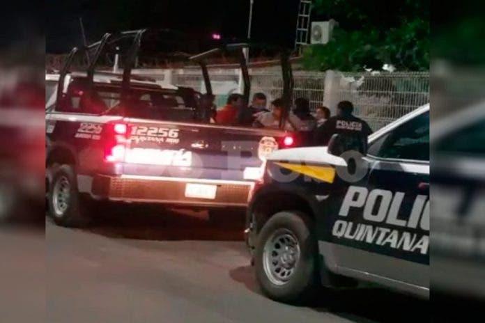 Policía golpea esposa