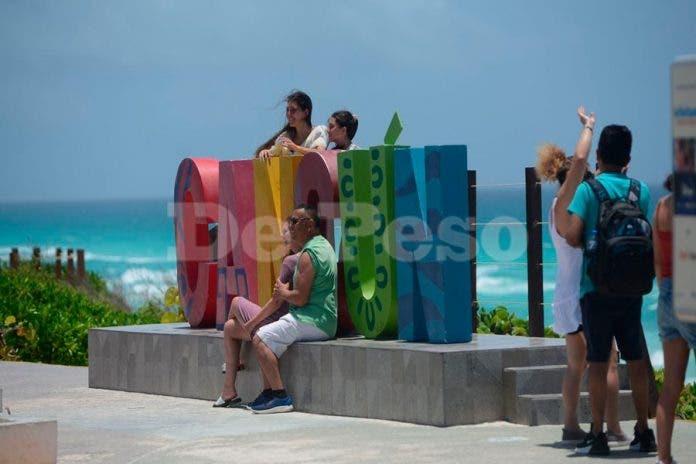 Cancunenses detener cubrebocas