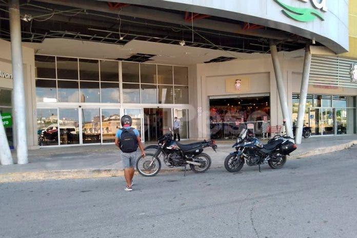 Cancún: Hombres armados con un cuchillo asaltan tienda Coppel