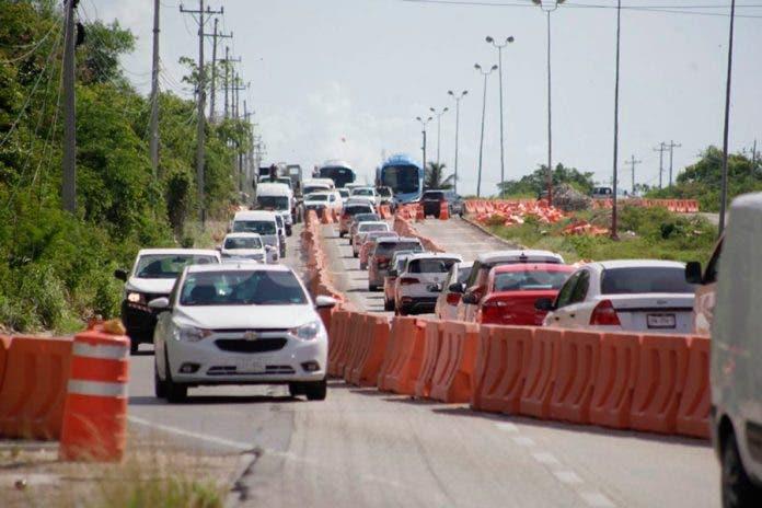 Rellenan socavón y reabren carriles en la Cancún – Playa