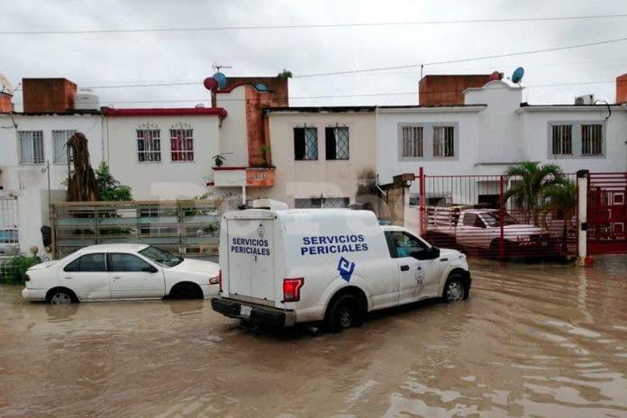 Autoridades investigan a vecino por la muerte de mujer electrocutada