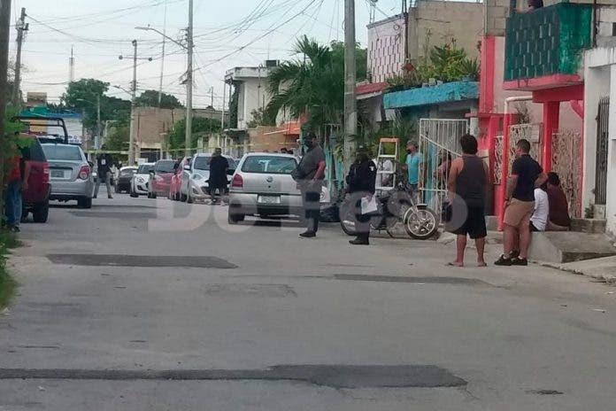 Hombres armados ejecutan a taxista dentro de su domicilio en Cancún