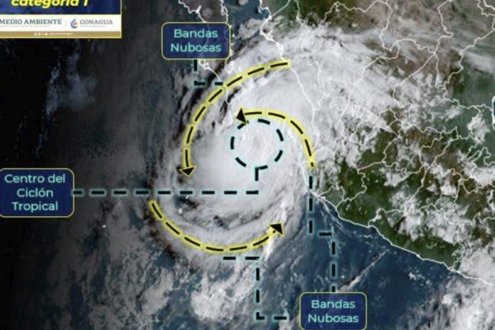 Olaf cobra fuerza y se intensifica a huracán categoría 1