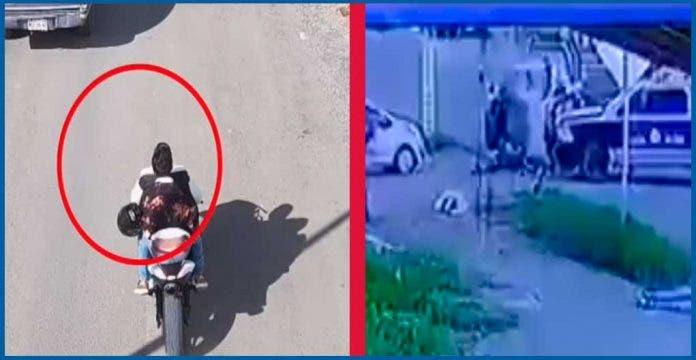 Patrulla cierra el paso a motociclistas sin casco y los deja heridos