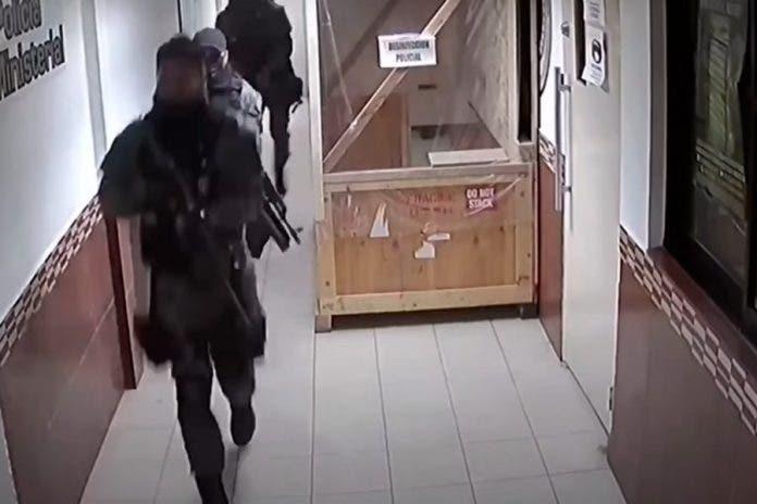 Filtran video de comando armado liberando a jefe de plaza