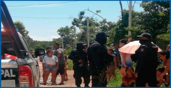 """Vecinos denuncian """"derecho de piso"""" por vivir en colonia irregular"""