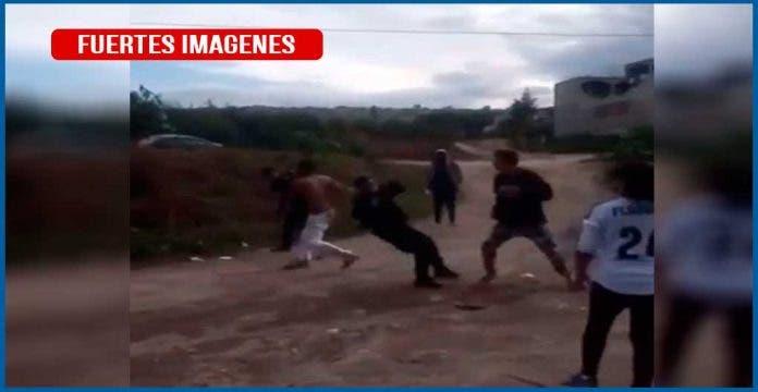 Pelea entre policías municipales y civiles deja un muerto