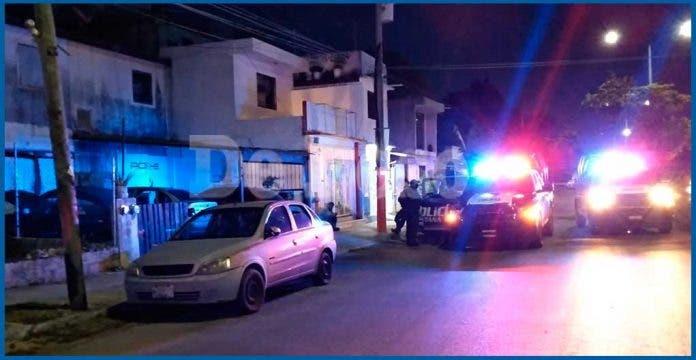 Sicarios ejecutan a hombre en taller en fraccionamiento de Cancún
